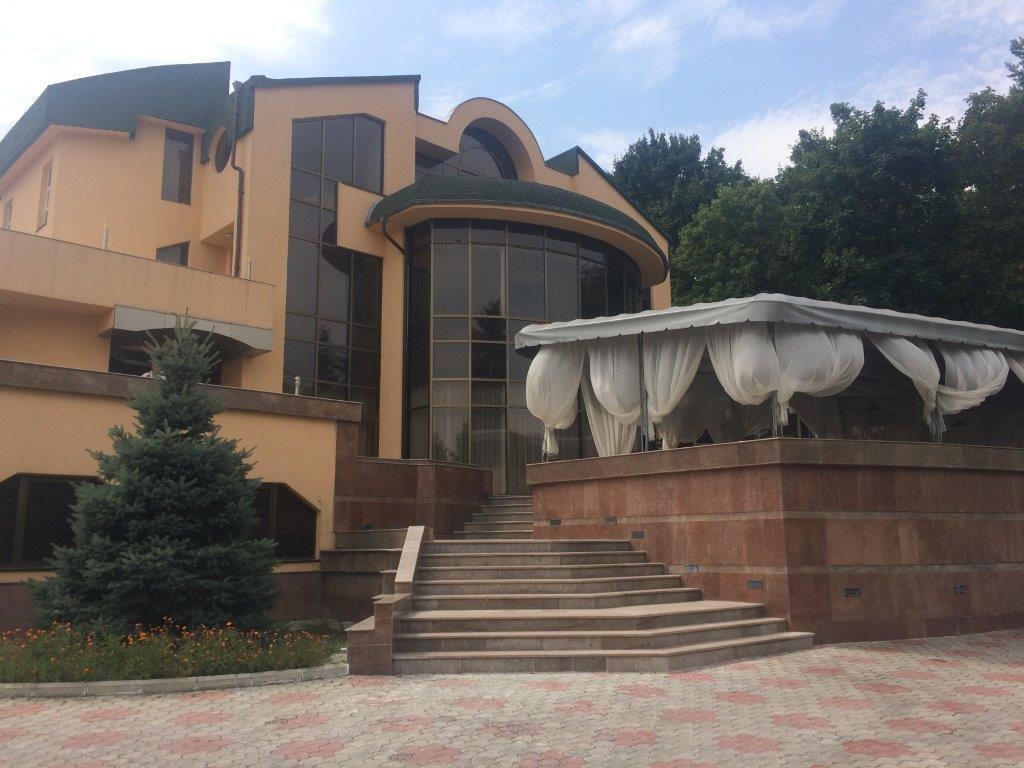 """Constructie comerciala - Restaurantul """"Casa Vinului"""" cu utilajul aferent"""