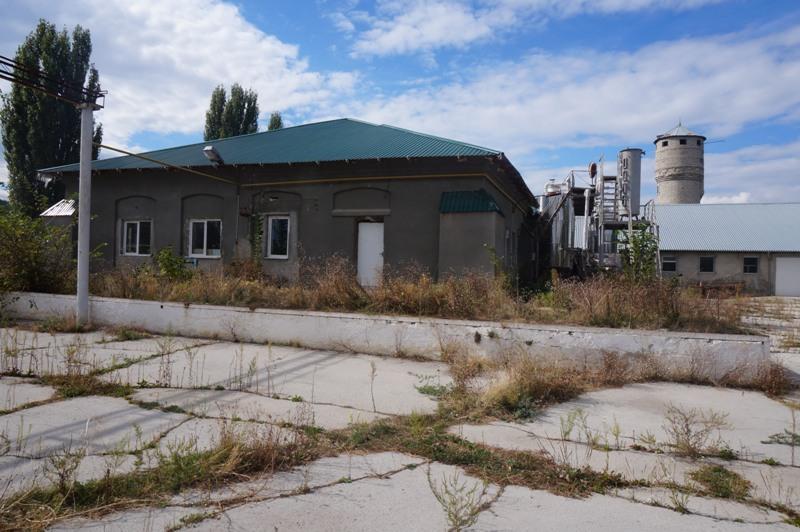 Fabrica de vin și utilaj aferent , r-nul Ialoveni, sat. Costești
