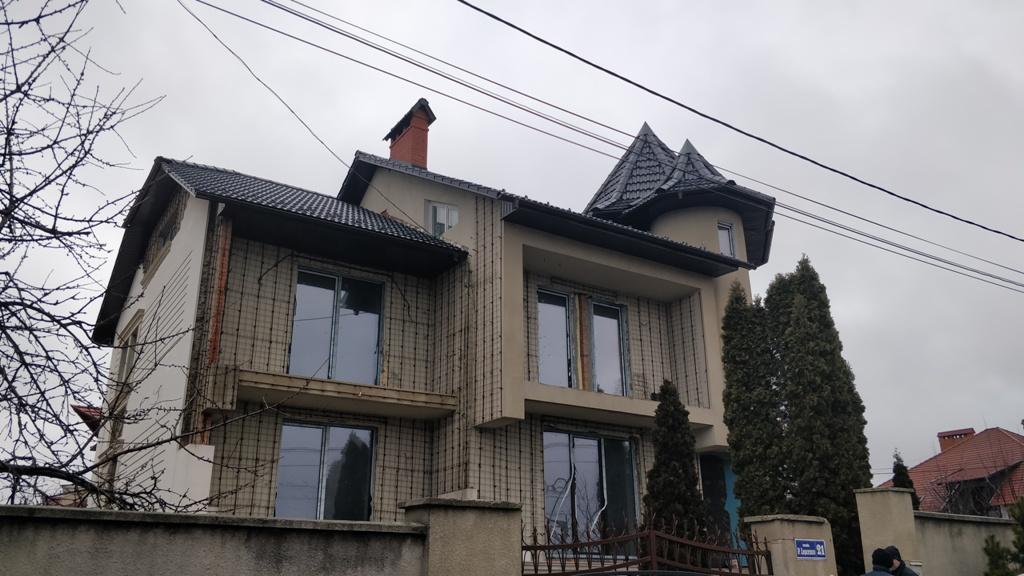 Casa nefinalizata str. Petru Lesenco 21